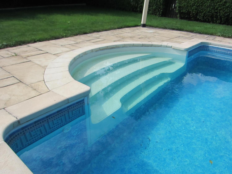 R novation escalier piscines maintenance for Maintenance piscine